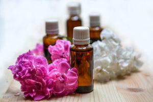 Æteriske olier kaldes også vegetabilske eller essentielle olier